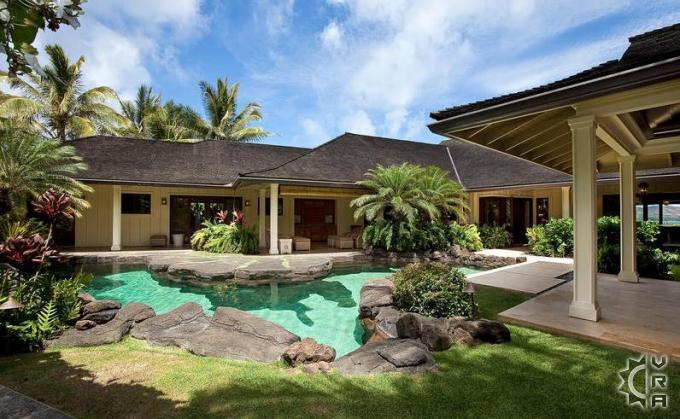 Hawaiian homes worthy of celebrity guests hawaii travel blog for Hawaii home builders