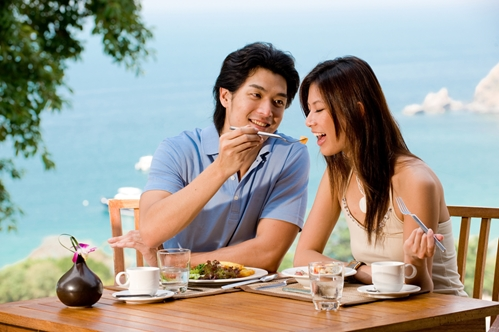 There are plenty of ideal dining spots for couples vacationing in Maui.