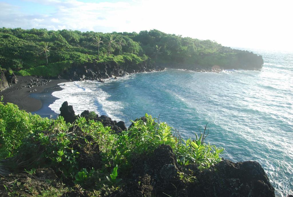 Peachy Waianapanapa State Park In Hana Maui Hawaii Hawaiian Home Interior And Landscaping Ologienasavecom