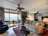 Kihei condo rental: Menehune Shores - 1BR Condo Ocean Front #112