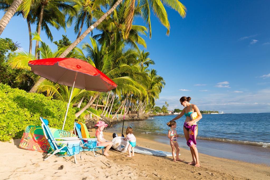 Lahaina Beach Villa 6br Home