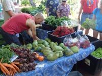 Poipu thingtodo: Gourmet Farmer's Market at the Shops at Kukui'ula